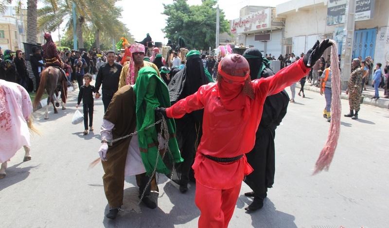 کوچه و خیابانها هم روضهخوان شدند/ شور حسینی در هر کوی و برزن