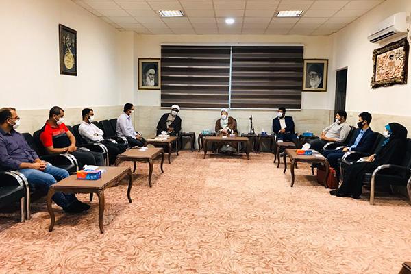 امام جمعه قشم بیان کرد؛ نشر برنامههای انقلابی در فضای مجازی؛ لبیک به فرمان رهبری