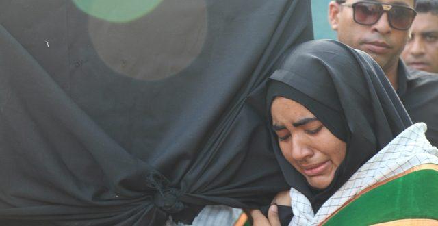 مراسم تشییع پیکر دانش آموزان هرمزی (تصویر)